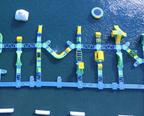 Il parco acquatico galleggiante di Rimini