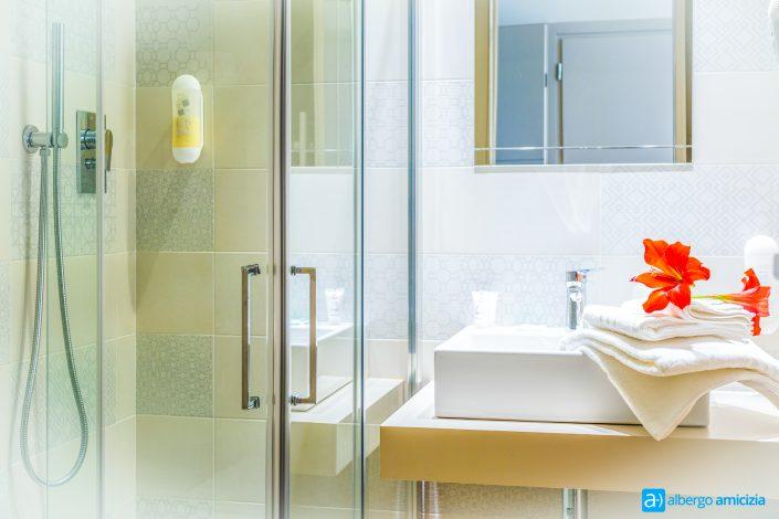 Bagno camera Sunny versione chiara